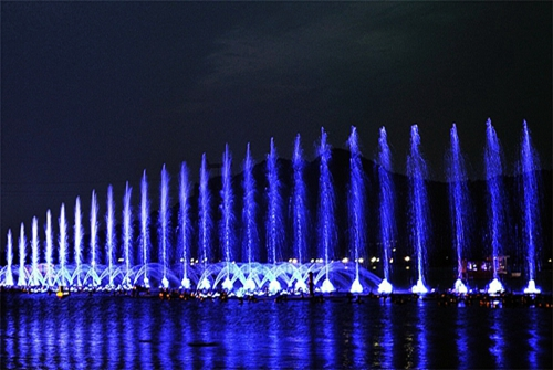 How to design a musical fountain to look good