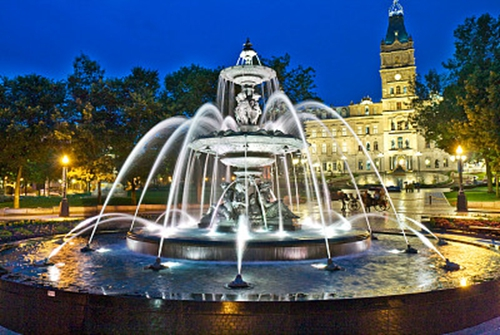 What kinds of fountain sculptures are there?
