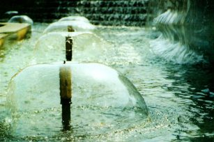 What are the styles of fountain nozzles?