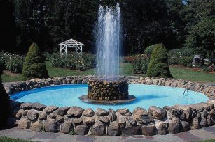 What are the keys to the design and placement of fountains