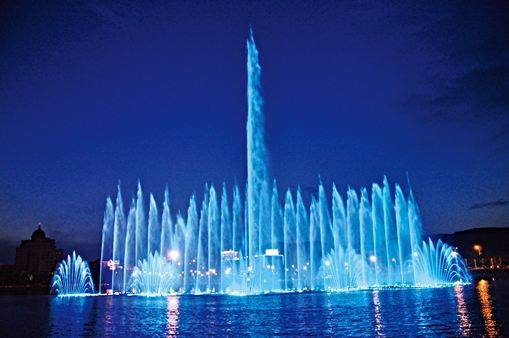 square fountains
